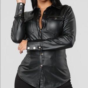 🖤🖤🖤 Fashion Nova Faux Leather Top